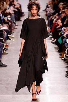 Zac Posen Fall 2016 Ready-to-Wear Fashion Show - Aya Jones