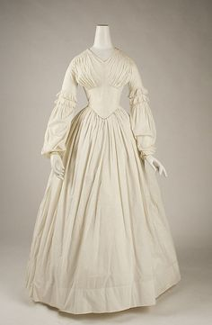 Circa 1840 dress, American, made of cotton. Via MMA.