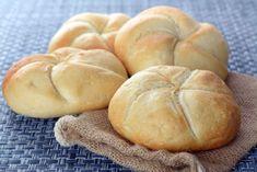 Adori mirosul de pâine caldă? Învață să faci acasă celebrele chifle Kaiser. Sunt minunate la o cină tradițională de familie sau la un picnic de vară sau doar cu un bol cu supă de casă. Hamburger, Picnic, Recipes, Cooking Recipes, Indian, Picnics, Burgers, Ripped Recipes