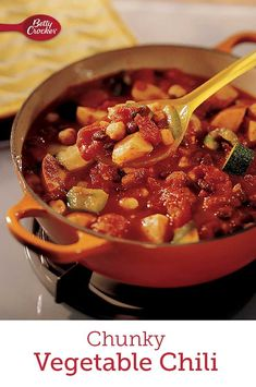 Add a big serving of vegetables to your dinner with this hearty chili packed to the brim with beans, bell peppers, zucchini and tomatoes! This chili is ready to eat in just 30 minutes. Quick Weeknight Dinners, Easy Meals, Chorizo Sausage, Vegetarian Chili, Bowl Of Soup, Stuffed Jalapeno Peppers, Betty Crocker, Dutch Oven, Soups And Stews