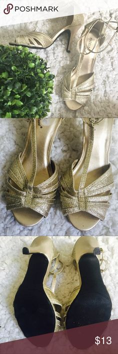 Champagne Dancing Shoes champagne tone, glittery, strapped, not too high not too low perfect for dancing.used once Madeline Stuart Shoes Heels