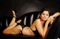 Bolly New Actress Sai Tamhankar Exposes Boobs In Black Bra Latest Images