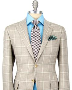 Kiton Beige Plaid Sportcoat 2 button jacket Notch lapel Grey melton Single welt front chest pocket Flap pockets Double vent Fully lined Beige lining 100% cashmere Handmade in Italy