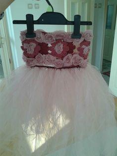Tütü Girls Dresses, Flower Girl Dresses, Wedding Dresses, Flowers, Fashion, Dresses Of Girls, Bride Dresses, Moda, Bridal Gowns