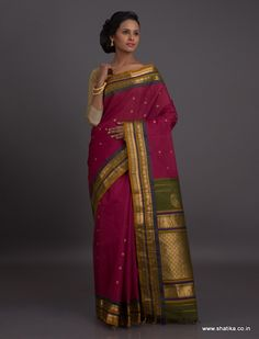 Woven in a rare color combination to catch your attention, this Gadwal sico saree reflects the sico trends of Gadwal. Gadwal sarees are renowned for admirable zari patterns and well-crafted pure silk kuttu borders and pallus. Exhibiting a remarkable trait of getting folded down to the size of a matchbox, our Gadwal Silk Sarees online have demand throughout the country.