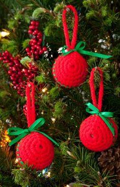 Easy Classic Ball Ornaments Crochet Pattern