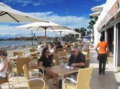 Als je graag echte Spaanse tapas eet, dan moet je zeker El Pincho  uitproberen. El Pincho is een nieuwe bar langs de promenade van Playa Las Vistas, met een schitterend zeezicht. Het is een typische Spaanse bar met heel vriendelijk Canarisch personeel.