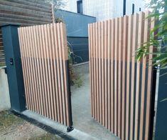 House Fence Design, Garden Design, Exterior Design, Interior And Exterior, Front Gates, Cedar Fence, House Landscape, Backyard Fences, Garden Gates