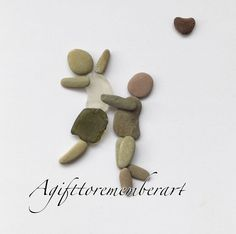 SOLD! #agifttorememberart #pebbleart #instaart #instaphoto #handmadewithlove #madebyme #etsy #makersgonnamake #stones #australia #madeinaustralia #seaglass #artwork #love #couple #beach #roomdecor #frame #nature #anniversary #inlove