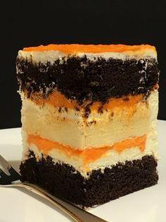 Влажный шоколадный бисквит, хлопковый чизкейк, сырный крем и курд из манго с легкой кислинкой лайма. #оксанабарчева #услугарецепт #манго #курдизманго #шоколадныйторт #лайм #шоколадныйбисквит #хлопковыйчизкейк #японскийчизкейк #дорблю #сырныйкрем #разрезторта #вкусныйразрез #рецепты #рецептторта #десерт #cakes #cakeporn #birthdaycake #cakedesign #cakeinsta #foodporn #foodphoto #foodblogger #goodfood #foodgram #cakemagazine #cakezpua Pastry Recipes, Baking Recipes, Cake Recipes, Dessert Recipes, Russian Cakes, Cupcake Flavors, Most Delicious Recipe, Different Cakes, Angel Food Cake