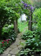 Affordable and creative diy backyard garden path on a budget (11)