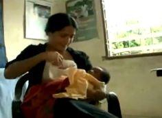 2009 год.Сальма Хайек во время поездки в Африку кормит грудью новорожденного мальчика, у матери которого не хватает своего молока. В то время Сальма только что отлучила от груди свою дочку, Валентину, но молока еще было достаточно, чтобы поделиться им с другим малышом. #донорскоемолоко #донорство_молока #гв #грудное_вскармливание #груднички #кормимгрудью #кормлениегрудью #инстагв #мызагв #грудноевскармливаниеэтокруто #кормящаяженщина #дети #естественноеродительство #инстамама #мама #малыш…
