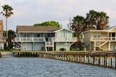 Rockport, TX: Great fishing and views from this 4 bedroom, 3 bath home on Copano Bay with 300 ft. private lighted fishing pier!  Come experience Serenity on Copano B...