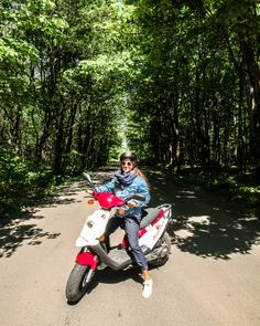 #iledorleans #electricbikes #bikes #scooters #hybridbikes #quebecregion #iledorleans #tourism #tours #fun #outdoors #bikes #quebecregion #quebecoriginal #quebeccity Quebec, What A Beautiful Day, Beaux Villages, Photos, Pictures, Scooters, Tours, Amazing, The Originals