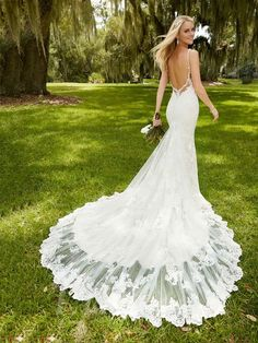 Fit+and+Flare+Deep+V-neck+Low+Backless+Wedding+Dress