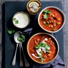 Indian curry vegetable and chickpea soup Healthy Menu, Healthy Soup Recipes, Chickpea Soup, Indian Curry, Plant Based Eating, Pumpkin Soup, Meal Planner, Quick Meals, Vegetarian