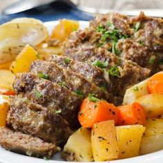 Perinteinen lihamureke Pot Roast, Meatloaf, Beef Recipes, Nom Nom, Food Porn, Food And Drink, Keto, Baking, Dinner
