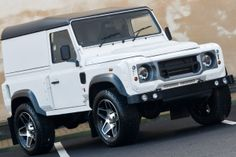 Kahn Design has made a great number of upgrade packages for the Land Rover Defender 90 and But they still haven't run out of ideas. Kahn Defender, Land Rover Defender 110, Landrover Defender, Kahn Design, Wide Body Kits, International Scout, Made In Chelsea, American Motors, Luxury Suv