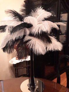 20 blanco y negro centro de mesa de plumas por ChantillysBoutique …