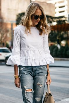 Fashion Jackson, Club Monaco White Ruffle To p, Denim Ripped Relaxed Jeans Mom Outfits, Summer Outfits, Casual Outfits, Fashion Outfits, Womens Fashion, Jeans Fashion, Fashion Jackson, Dress Indian Style, Low Rise Skinny Jeans