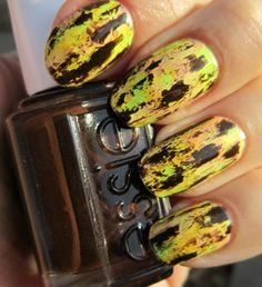 Concrete and Nail Polish: Distressed Nails Inspired By Chalkboard Nails