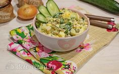 Куриный салат с огурцами и горошком https://delo-vcusa.ru/recept/kurinyy-salat-s-ogurtsami-i-goroshkommi/ #деловкуса #готовимсделовкуса #рецепты #салат #оливье #куриныйсалат