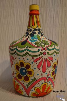 Glass Bottle Crafts, Wine Bottle Art, Painted Wine Bottles, Diy Bottle, Painting Glass Jars, Bottle Painting, Vase Crafts, Mason Jar Crafts, Pottery Painting Designs