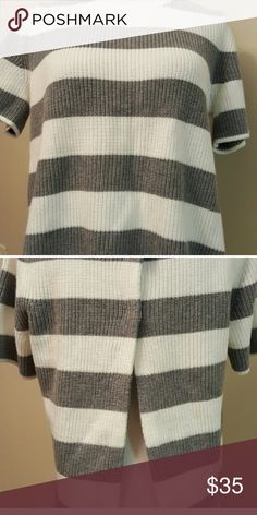 Grey and White Short Sleeved Sweater Really good quality, sweater tee. Super comfortable! Open back with snap at the top. Not itchy at all. Has only been worn once. Banana Republic Sweaters Crew & Scoop Necks