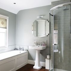 Grey bathroom- tile saving