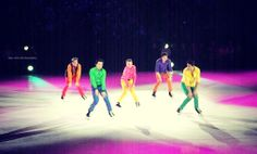 Jeffrey Buttle, Patrick Chan, Shawn Sawyer, Scott Moir and Andrew Roje. Stars On Ice Hamilton 2014. Photo by #FredaMans