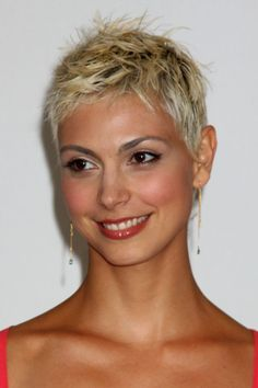 short pixie haircut for blonde hair Have no new ideas about pixie hair styling? Find out the latest and trendy pixie hairstyles and haircuts in Check out the ideas at TheRightHairstyles. Blonde Pixie Haircut, Short Blonde Pixie, Short Grey Hair, Short Pixie Haircuts, Edgy Pixie, Asymmetrical Pixie, Long Pixie, Choppy Haircuts, Brunette Pixie