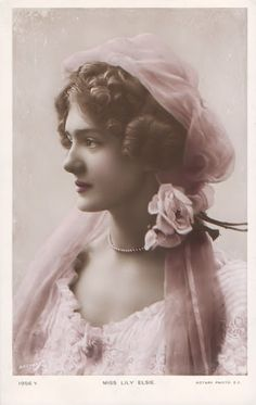 vintage everyday: A Collection of 70 Beautiful Vintage Portrait Photos of Lily Elsie from the through the Vintage Photos Women, Photo Vintage, Look Vintage, Vintage Girls, Vintage Pictures, Vintage Photographs, Vintage Beauty, Vintage Prints, Vintage Fashion