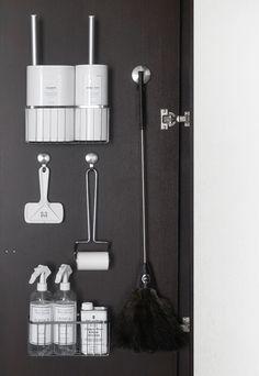 毎日使う掃除道具を美しく使いやすく収納。 | 白黒小屋 - 楽天ブログ