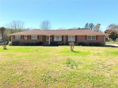 New Listing!! This all brick home is move in ready and just waiting for a new family!