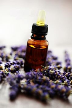 Aromatherapy is the simple practice of awakening your senses with natural oils. In fact, you have actually probably experienced the advantages of Aromatherapy without even realizing it! Herbal Remedies, Health Remedies, Essential Oils For Skin, Tea Eggs, Health Tips For Women, Healthy Shopping, Healthy Food Delivery, Smoothie Ingredients, Cleanse Recipes