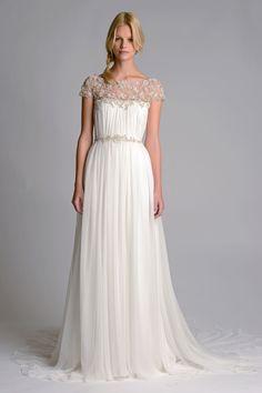 Vestido longo com bodado nos ombros
