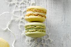 Het vraagt wat oefening om de perfecte macarons te maken, maar eens je het onder de knie hebt, zijn dit echt prachtige koekjes om mee uit te pakken!