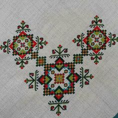 This Pin was discovered by Arz Biscornu Cross Stitch, Cross Stitch Borders, Cross Stitch Designs, Cross Stitching, Cross Stitch Patterns, Wool Embroidery, Cross Stitch Embroidery, Embroidery Designs, Handicraft
