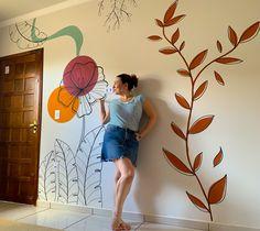 Pintura a mão livre na parede Simple Wall Paintings, Creative Wall Painting, Wall Painting Decor, Mural Wall Art, Wall Art Decor, Creative Walls, Decorative Wall Paintings, Painted Wall Art, Painting Walls