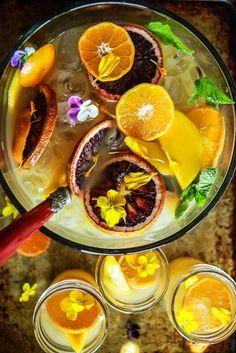 Orange Mango Rum Punch von HeatherChristo.com