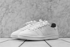 adidas Stan Smith Leather Sock in Two Colorways - EU Kicks: Sneaker Magazine Running Sneakers, Adidas Sneakers, Casual Shoes, Men Casual, Leather Socks, Sneaker Magazine, Fashion Socks, Adidas Stan Smith, Adidas Originals