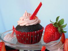 Cupcake Recipes : Chocolate Ale Cupcakes with Fresh Strawberry Frosting : Dessert Recipes Strawberry Frosting, Strawberry Cupcakes, Cupcake Recipes, Dessert Recipes, Desserts, Diy Cupcake, Yummy Treats, Sweet Treats, I Love Chocolate