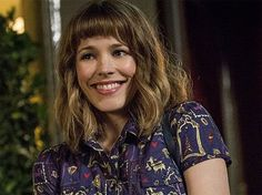 rachel mcadams about time hair - I think I want to cut my hair off because I love this cut, minus the super short bangs