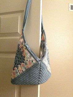 Crochet Patterns Bag crochet - bag - Get Your Free Granny On on ravelry - ༺✿ƬⱤღ www. Bag Crochet, Crochet Purse Patterns, Crochet Shell Stitch, Crochet Handbags, Crochet Purses, Crochet Granny, Crochet Stitches, Free Crochet, Ravelry Crochet