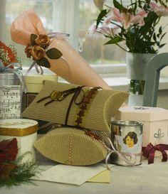 Kreatív Hobby - Ajándékcsomagolás - romantikusan
