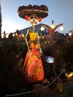 Thriller and Monster line dance lessons, Circus acts, pumpkin carvings and sculptures, and day of the dead statues adorned the Denver Botanic Gardens Glow.