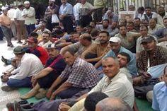 عمال بلديات بابل يضربون عن العمل للمطالبة بمستحقاتهم المالية
