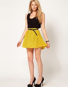 Skirt with Dipped Hem in Heart Print. Yellow n black, yes please.