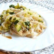 Fotografie receptu: Rýžové nudle s cuketou a pórkem Cabbage, Vegetables, Food, Essen, Cabbages, Vegetable Recipes, Meals, Yemek, Brussels Sprouts