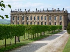 Chatsworth is the home of the Duke and Duchess of Devonshire, and has been the family home of the Cavendish family since 1549. :: Historic Houses Association